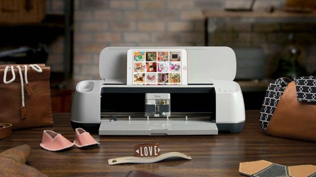 cricut maker with tablet